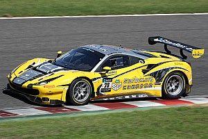 28号車HubAutoフェラーリがポールポジションを獲得