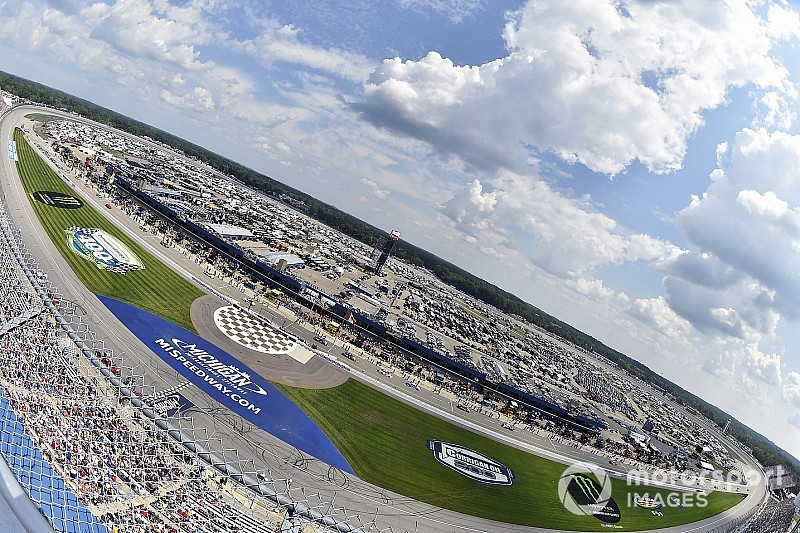 Rain washes out NASCAR Cup Series race at Michigan
