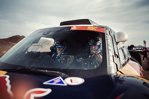 """Sainz, tras su podio en el Dakar 2021: """"Contento a medias"""""""