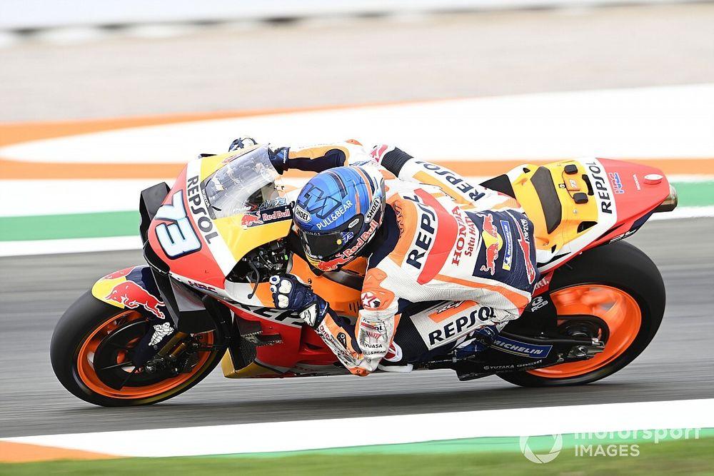Marquez ontsnapt aan blessure na crash in kwalificatie Valencia