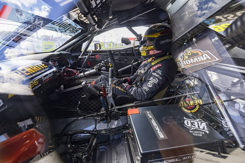 Supercars set to drop in-car roll bar adjustment in cost saving push