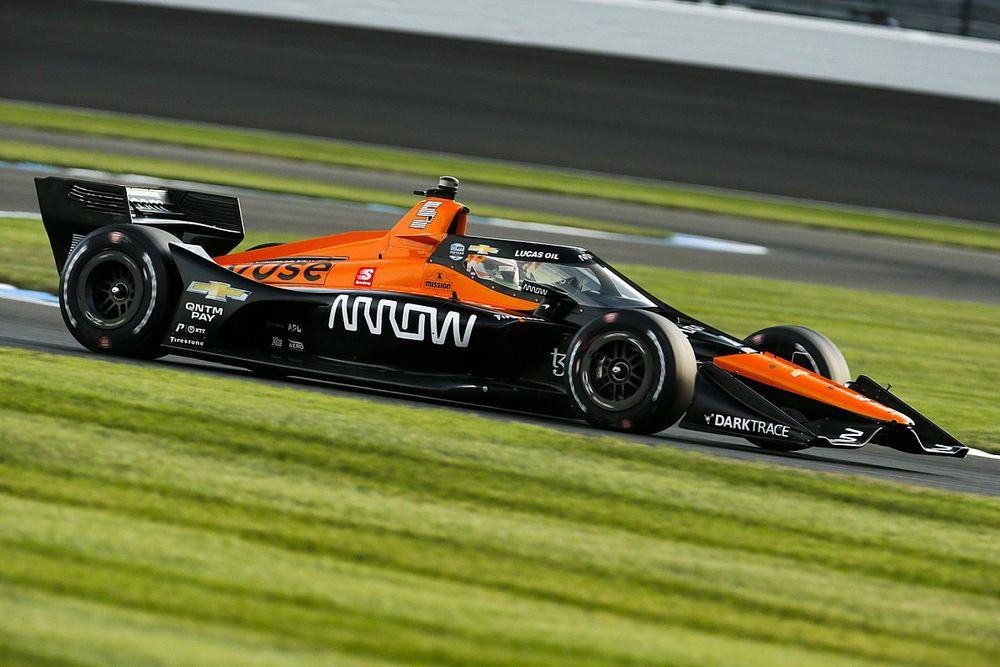 Пилот McLaren взял поул на этапе IndyCar, Грожан – 3-й