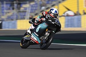 Moto3フランス決勝:マクフィー優勝。鳥羽、惜しくも表彰台逃す……小椋&鈴木上位走行も転倒