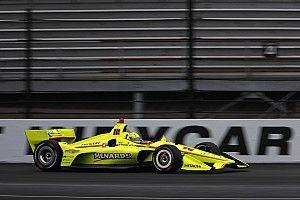 Пажено выиграл дождевую гонку в Индианаполисе, обогнав Диксона на предпоследнем круге