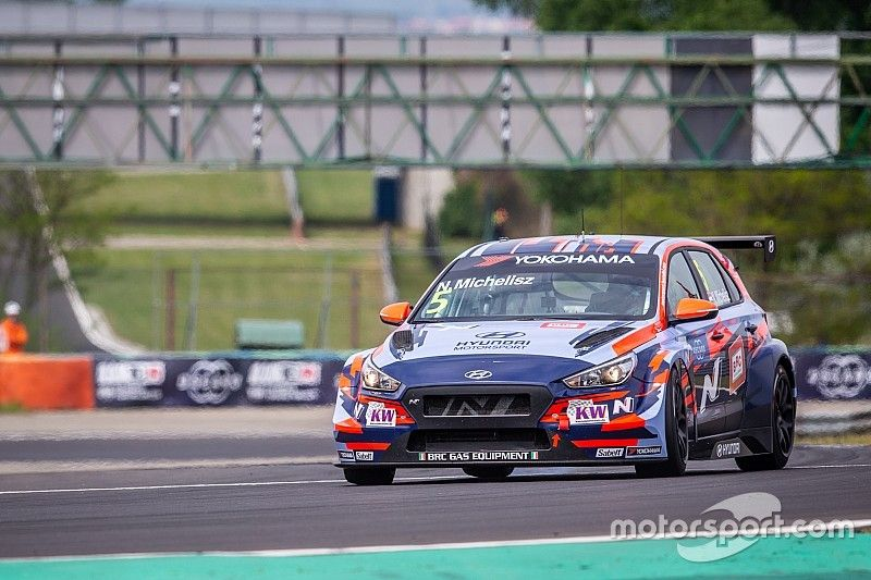 Hungary WTCR: Michelisz takes home pole by 0.008s