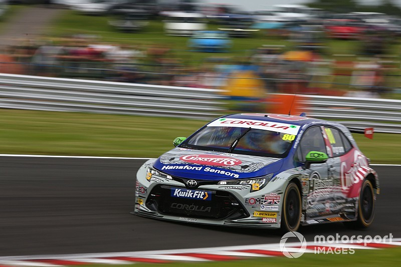 Snetterton BTCC: Ingram scores maiden pole for new Toyota