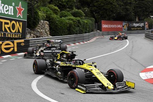 Ricciardo: Renault, strateji hatasını çözmek zorunda