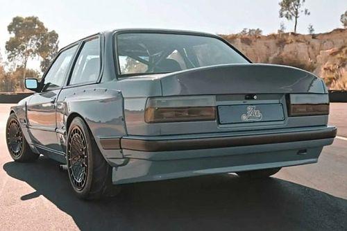 Ha a klasszikus BMW-ket szereted, megőrülsz az E30-as 3-as sorozata láttán