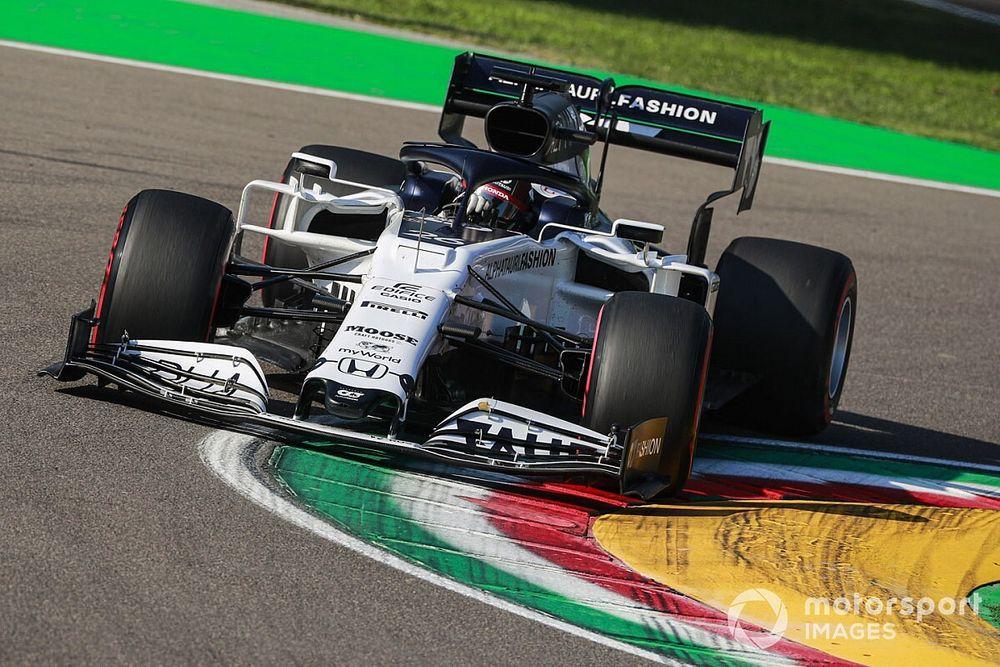 """Kvyat vows to """"keep pushing"""" despite worries on F1 future"""