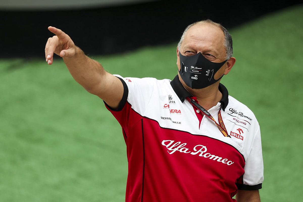 Alfa Romeo, 2021 sonrası Ferrari ile devam edip etmeyeceğine karar vermedi