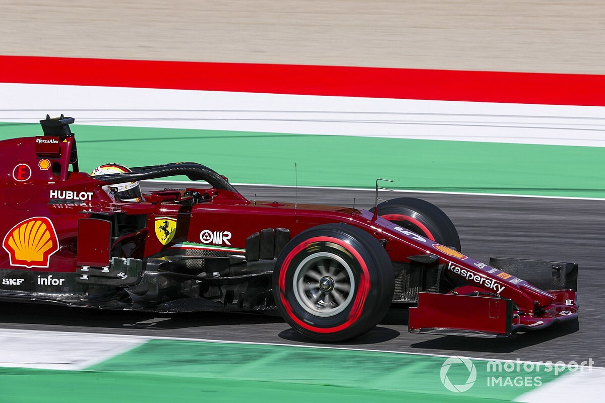 Феттель: Весь год веду борьбу с Ferrari