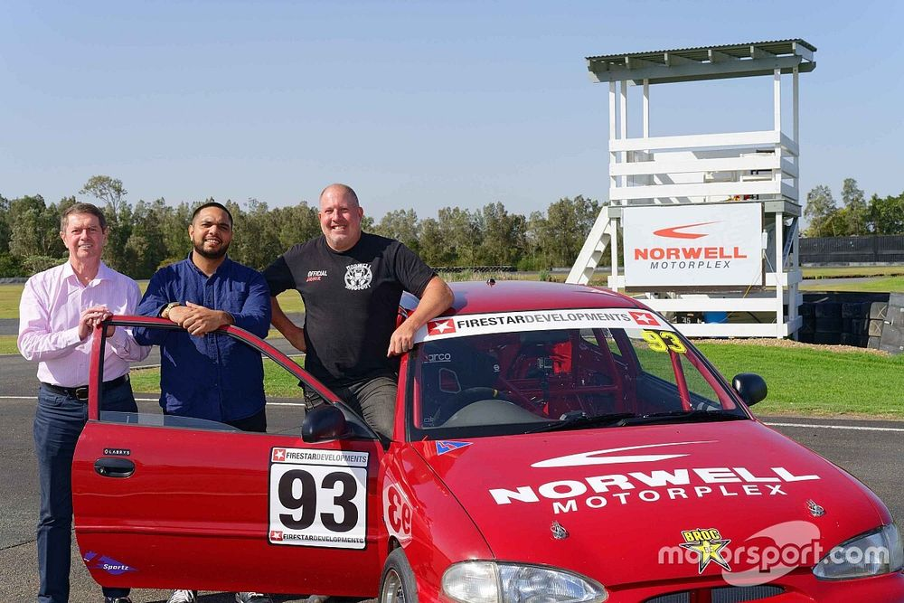 Connelly founds project for Indigenous Australians