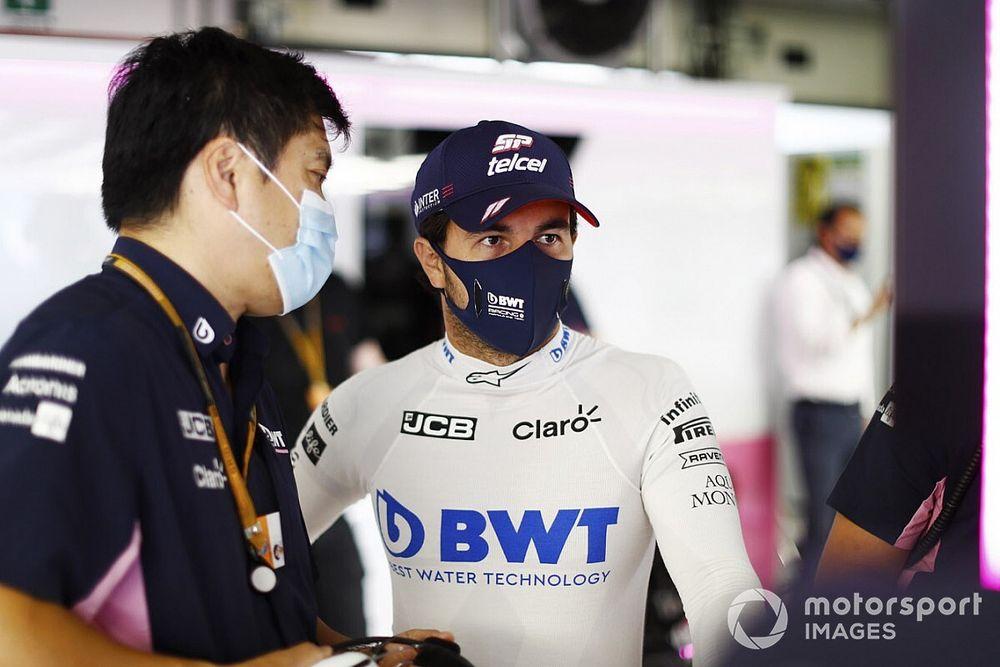 Sainz maakt zich kwaad om vertrek Perez: 'Hij verdient te blijven'