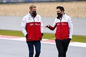 """Így festenek a Ferrari ifistái """"új csapataik"""" szerelésében"""