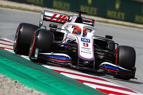 Haas pilotları yeni egzoza geçti