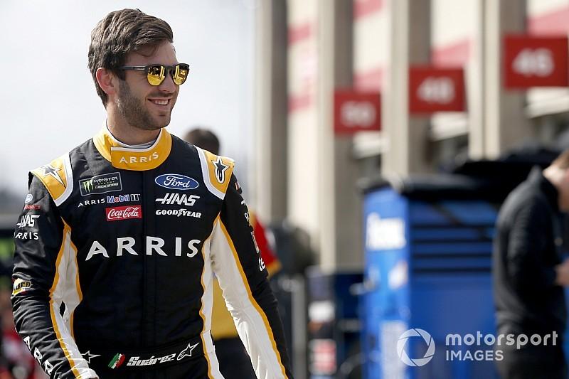 Los Ford de Stewart-Haas Racing lideran la primera práctica, Suárez en la P2