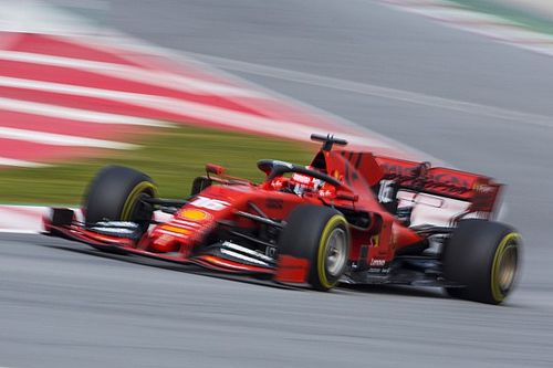 """Hamilton: """"El Ferrari parece muy, muy fuerte"""""""