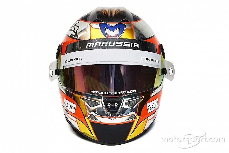 Schumacher és Bianchi sisakja is megvásárolható egy párizsi aukción