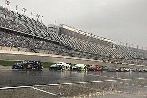 24 Ore di Daytona: la gara riprende dopo una sosta di 90 minuti per la pioggia