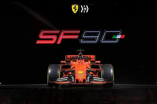 Fotogallery: la Ferrari SF90 di Vettel e Leclerc presentata a Maranello è rosso opaco