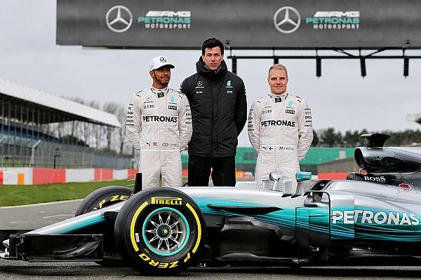 F1 速報ニュース 【F1】メルセデスW08発表。ハミルトン「寒いのにかなりグリップする」