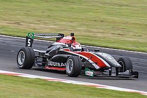 Pedro Piquet vence em Manfield e fica a 5 pontos do líder