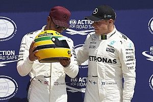 La familia de Senna aclara que el casco que recibió Hamilton era una réplica