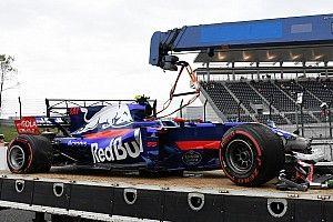 Sainz baalt van crash tijdens eerste training in Japan