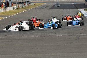 F4/SEA Buriram: Kahia jadi juara di Race 1, Presley berhasil naik podium