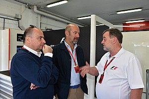 F1'in iletişim direktörü Howell görevinden ayrıldı