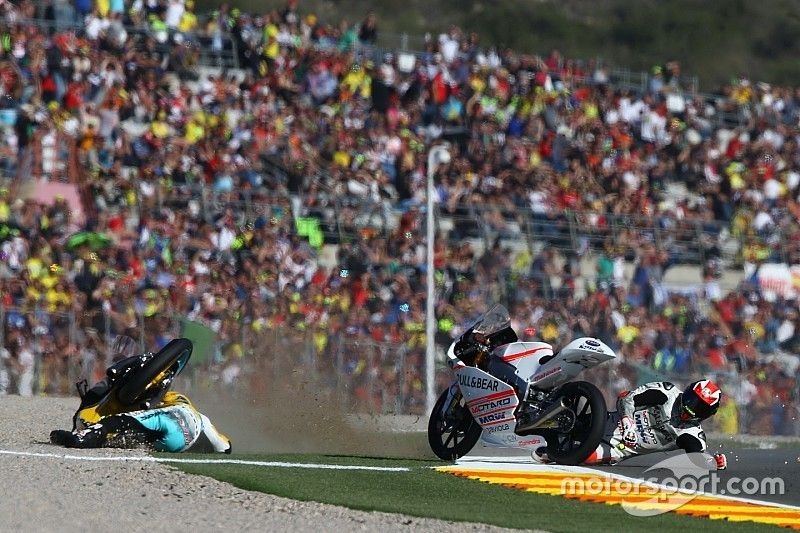 Bagnaia livid with Rodrigo after second clash in three Moto3 races