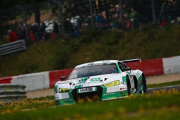 VLN 6: Audi besiegt Porsche in packendem Vierkampf