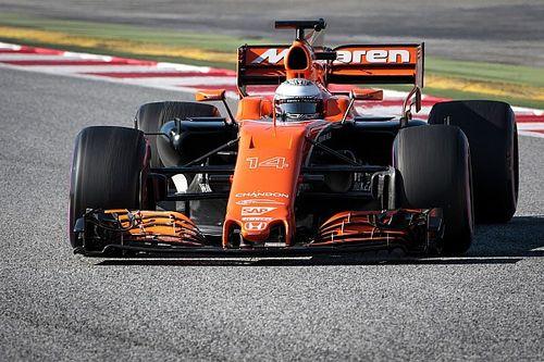 """Alonso blij met extra grip: """"Nu hoeven we niet meer als kinderen te rijden"""""""