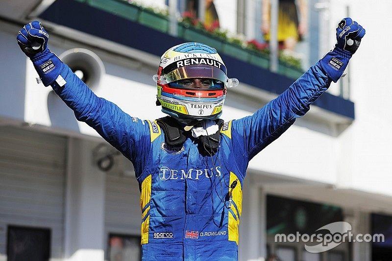Роуленд выиграл гонку Ф2, Маркелов вылетел в борьбе за победу