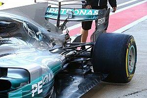 Új elemek a Mercedes kipufogónyílásánál