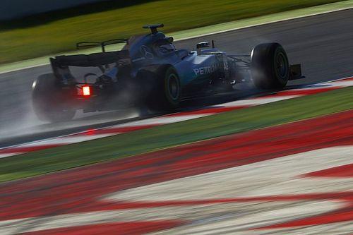 Mercedes e Red Bull mudam suspensão e são aprovadas pela FIA