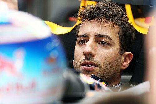 Ricciardo baffled by top speed deficit to Verstappen