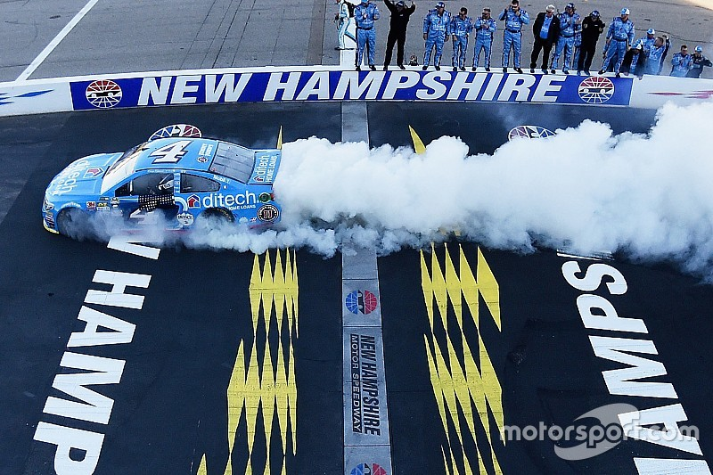 """Harvick says points racing """"leaves you very vulnerable"""" in the Chase"""