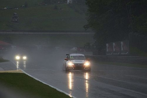 Salzburgring, la pioggia esalta Proczyk: pole al debutto con la Honda!