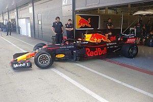 Red Bull, Williams y Haas han probado las Pirelli 2019 en Silverstone