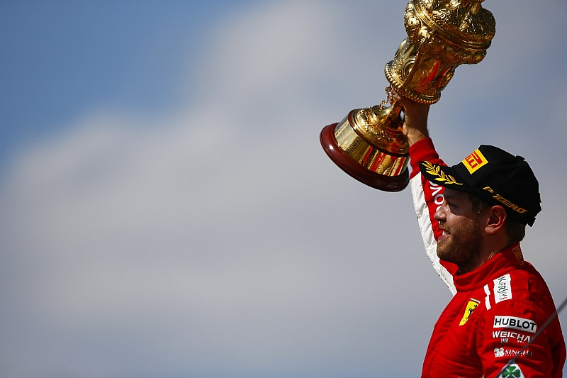 Britanya GP: Heyecan dolu yarışta zafer Vettel'in!