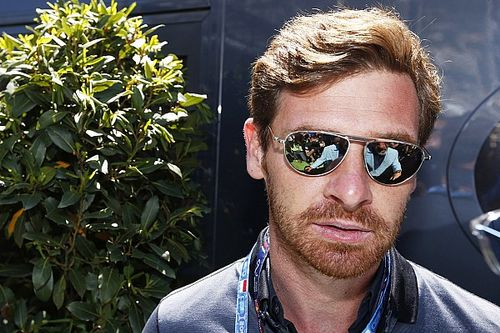A korábbi Chelsea- és Tottenham-edző a Dakaron indul