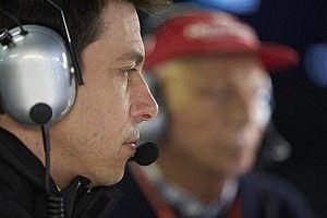 Wolff: Mercedes precisa se manter humilde em 2018