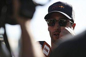 Риккардо объяснил аварию с напарником стремительно кончившейся трассой