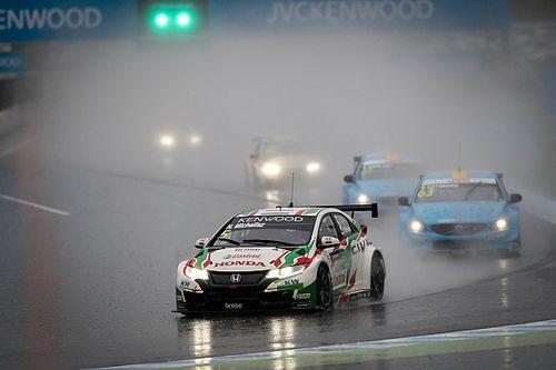 Motegi WTCC: Yağmurlu yarışlarda Chilton ve Michelisz kazandı