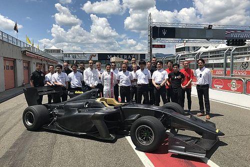 Yeni Super Formula aracı ilk sürüşünü tamamladı