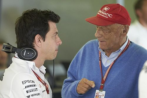 Wolff beri penghormatan untuk Niki Lauda