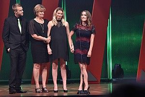 Bryan Clauson honored with IndyCar Fan Favorite Award
