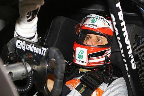 """Piloto """"da casa"""", Valdeno lidera primeiro treino em Londrina"""