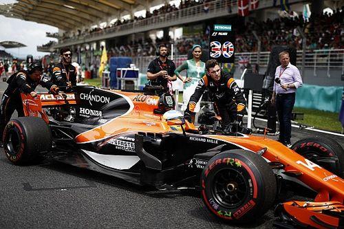 """""""McLaren en Honda staan in Japan voor een dilemma"""", aldus Alonso"""